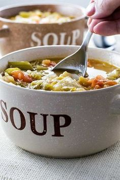 """WEIGHT LOSS WONDER SOUP """"No matter what diet you're on, this healthy wonder soup is perfect for a snack or even makes for an easy meal. Healthy Snacks For Weightloss, Healthy Foods To Eat, Healthy Recipes, Simple Recipes, Eating Healthy, Pastas Recipes, Diet Soup Recipes, Smoothies, Smoothie Diet"""
