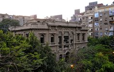 9 of the Most Fascinating Abandoned Mansions from Around the World Abandoned Buildings, Abandoned Castles, Abandoned Mansions, Old Buildings, Abandoned Places, Abandoned Mansion For Sale, Haunted Places, Prince, Mansions For Sale