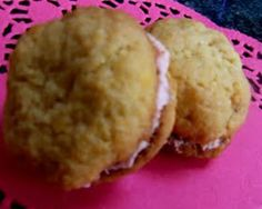 Monte Carlo biscuits are a classic cream biscuit. This homemade Monte Carlo biscuit recipe combines the coconut biscuit with butter cream filling and jam. Find more on Kidspot New Zealand's recipe finder Lunch Box Recipes, Lunch Snacks, Lunchbox Ideas, Biscuit Cookies, Biscuit Recipe, Monte Carlo Biscuits, Coconut Biscuits, Good Food, Yummy Food