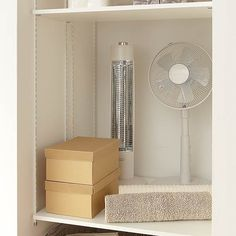 イージークローク|収納上手な暮らし|間取りと暮らし方|注文住宅|ダイワハウス Laundry, Organization, Storage, Interior, Closet, Home Decor, Laundry Room, Getting Organized, Purse Storage
