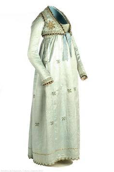 Dress from 1805-1810. I just love this dress. The detail is just extraordinary and it's just gorgeous!