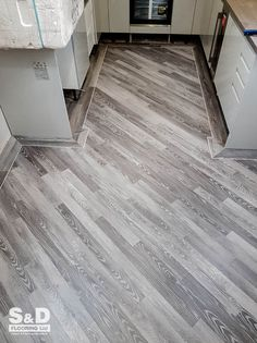 This week the have been transforming these city apartments in Liberty Lane with an installation of light grey Karndean Da Vinci Limed Silk Oak. Kardean Flooring, Karndean Design Flooring, Grey Vinyl Flooring, Hardwood Floors, Kitchen Tiles, Kitchen Flooring, Family Rooms, Living Rooms, City Apartments