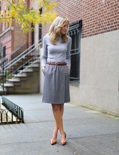 elegantes Outfit fürs Büro in Grau und Cognac
