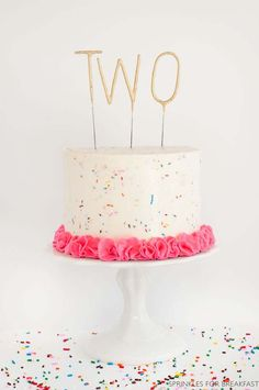 Adorable Sprinkle Cake for Children's Birthday Party cake decorating recipes kuchen kindergeburtstag cakes ideas Cute Birthday Cakes, Birthday Parties, 2nd Birthday Cake Girl, Happy Birthday, 2 Year Old Birthday Cake, Birthday Ideas, Birthday Cakes For Adults, Colorful Birthday Cake, Pretty Cakes