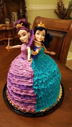 Mal and Evie Descendants cake
