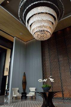 Keraton at The Plaza - Lobby Entrance - Google'da Ara