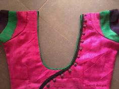 Pink Saree Blouse, Pattu Saree Blouse Designs, Fancy Blouse Designs, Saree Blouse Patterns, Blouse Neck Designs, Pavadai Sattai, Piping Design, Patch Work Blouse Designs, Designer Blouse Patterns