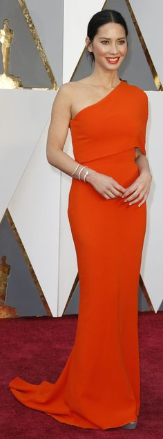 Olivia Munn in Stella McCartney on the Oscars red carpet (Photo: Noel West for The New York Times)