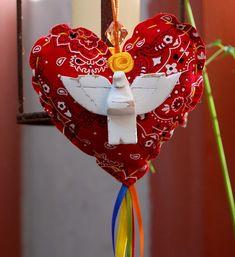 Adorno mini coração divino em tecido