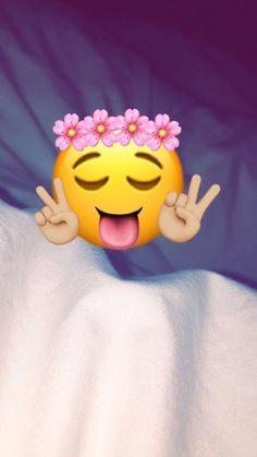 By mee ✨ Snapchat Picture, Instagram And Snapchat, Snapchat Posts, Emoji Photo, Snap Streak, Schrift Design, Cute Emoji Wallpaper, Snapchat Streak, Emoji Pictures