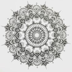 "707 Likes, 5 Comments - Chacha_Mandala (@chachamandala) on Instagram: ""CHACHA Mandala Draw in progress #曼荼羅 #マンダラ #絵 #手書き #handpainted #イラスト #drawing #mandala…"""