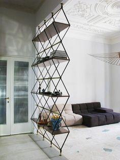 Estante Romboidale Designer: Pietro Russo - suspension vertigo par petite friture