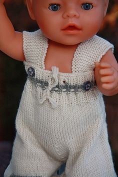 Baby born knitting pattern k Knitting Dolls Free Patterns, Knitted Dolls Free, Doll Clothes Patterns, Clothing Patterns, Reborn Dolls, Baby Dolls, Baby Born Kleidung, Baby Born Clothes, Sport Weight Yarn