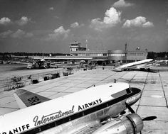Des Moines Municipal Airport. Mid 1950's. two Branniff flights and a United Flight on the left.