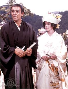 James Bond and his Japanese wife (Sean Connery and Mie Hama) You Only Live Twice Bond Girls, Sean Connery, Donald Pleasence, Nancy Sinatra, Cinema, Thing 1, James Bond Movies, Actors & Actresses, Hama