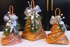 Christmas Items, Winter Christmas, Christmas Wreaths, Christmas Crafts, Christmas Decorations, Christmas Ornaments, Paper Weaving, Weaving Art, International Craft