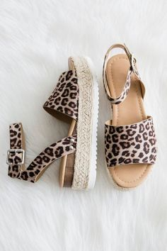 Aloha Life Sandals in Cheetah Perfect Leopard Summer Shoes summer summerstyle sandals espadrilles leopard Simple Sandals, Cute Sandals, Cute Shoes, Me Too Shoes, Trendy Sandals, Leopard Sandals, Cheetah Shoes, Leopard Print Wedges, Leopard Espadrilles