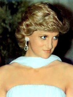 Diana - Lady Diana, Princess of Wales - Lady Di - Queen of Hearts Princess Diana Images, Princess Diana Fashion, Princess Diana Family, Princess Of Wales, Real Princess, Lady Diana Spencer, Kate Middleton, Prinz William, Prinz Harry
