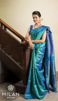 Milan is the ultimate choice for the fashionista in you. Milan offers a wide variety of Designer, Bridal & Wedding Sarees Online Kochi, Kerala, India. Kanchipuram Saree Wedding, Wedding Silk Saree, Bridal Sarees, Pakistani Bridal, Trendy Sarees, Stylish Sarees, Indian Beauty Saree, Saris, Hair Makeup