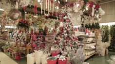 Christmas Tree, Holiday Decor, Home Decor, Gardens, Annual Flowers, Bricolage Noel, Landscape Planner, Pottery, Projects