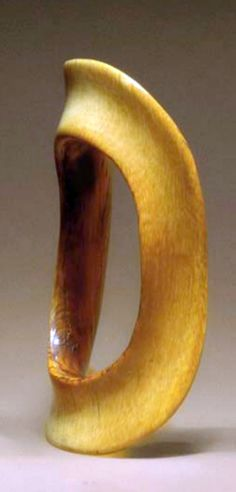 Sudan | Oval shaped bracelet; ivory with brownish cream patina | D: 13cm | 1'293€ ~ sold (Dec '04)