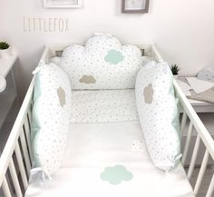 Mint and beige baby bumper Clouds Nursery, Nursery Room, Baby Room, Cot Bumper, Crib Bumpers, Star Cushion, Baby Bedding Sets, Custom Pillows, Tricks