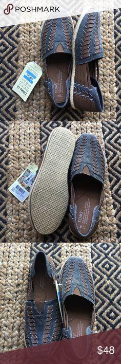 Alpargata huarache TOMS Men's size 7 but fits women's 8.5/9. Brand new. Leather & canvas TOMS Shoes Espadrilles