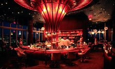 classy Boom Boom Room at Standard hotel: chic drinks, wonderful view and life music at times. OR trendy Le Bain Rooftop just across the hall Night Club, Night Life, Art Madrid, Madrid Barcelona, Barcelona Spain, Berkeley Homes, Boom Boom Room, Graffiti, Bars And Clubs