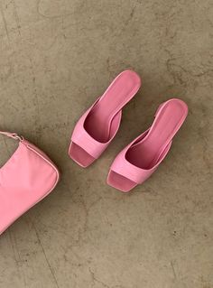 Pink Heels Outfit, Heels Outfits, Pink Flats, Light Pink Heels, Pink Crocs, Pink Mules, Sneaker Heels, Sneakers, Aesthetic Shoes