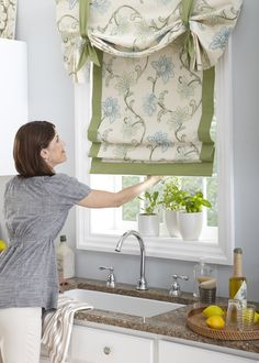 Horizons Fabric Roman Shades. Custom made from our material or your customer's own material. Seven great style. horizonshades.com