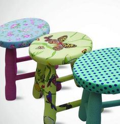 Hand Painted Stools, Wooden Stools, Painted Chairs, Painting Old Chairs, Diy Painting, Painting On Wood, Funky Furniture, Painted Furniture, Palet Projects