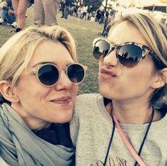 Lily Rabe y Emma Roberts