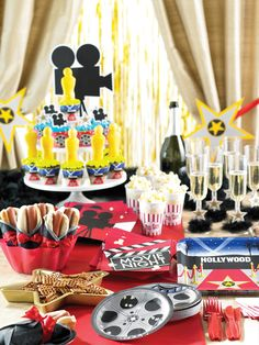 Reel Hollywood party supplies, available now at Affordable Treasures. - New Deko Sites Oscar Party, Movie Night Party, Party Time, Movie Nights, Sweet 16, Kino Party, Red Carpet Party, Pink Carpet, Hollywood Theme