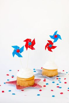 DIY Edible Pinwheels for Fourth of July Fourth Of July Food, 4th Of July Celebration, 4th Of July Party, July 4th, Patriotic Party, Airheads Candy, Independence Day Parade, Blue Party, Food Crafts