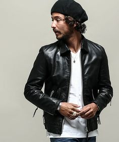 Men's Jacket Style Guide. The cold months are coming and it is nearing the time to take out your winter clothes. Leather Fashion, Leather Men, Leather Jacket, Dope Fashion, Mens Fashion, Riders Jacket, Cool Jackets, Men Looks, Poses