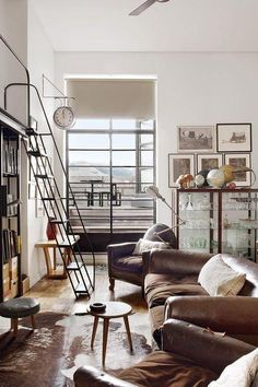 Just because you're in possession of a little area in your living room doesn't signify you maynot realize the rustic look. Usually, living room is the largest area at home. Canapé Design, Deco Design, House Design, Stair Design, Design Ideas, Room Inspiration, Interior Inspiration, Inspiration Boards, Living Comedor