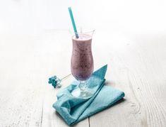 Smoothie z jagodičjem Kraut, Smoothies, Glass Of Milk, Coffee Maker, Smoothie Recipes, Soy Milk, Sodas, Smoothie, Coffee Maker Machine