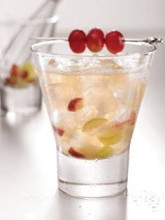 The Savoy (vodka, white grapes, lemon juice, and agave syrup) #NationalVodkaDay