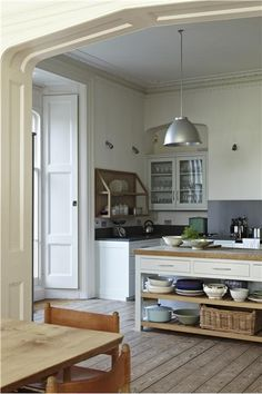 That ceiling trim would be excellent in the kitchen, with the living room Dix Blue - Farrow and Ball Open Plan Kitchen, New Kitchen, Kitchen Decor, Kitchen White, Kitchen Modern, Kitchen Ideas, Kitchen Paint, Kitchen Colors, Kitchen Storage