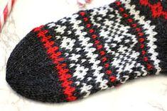 Sweet things: Adventtisukat - osa 4 Knitting Socks, Knitted Hats, Sweet Little Things, Diy Crochet, Knitwear, Beanie, Crafts, Patterns, Nice