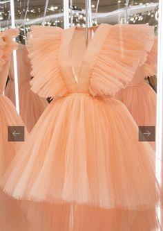 Giambattista Valli x H&M Puffy Dresses, Cute Prom Dresses, Glam Dresses, Pretty Dresses, Girls Dresses, Classy Dress, Classy Outfits, Stunning Dresses, Elegant Dresses