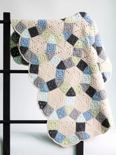 [무료도안] 로맨틱한 웨딩링 블랭킷뜨기 : 네이버 블로그 Chunky Yarn Blanket, Knitted Blankets, Granny Square Blanket, Afghan Blanket, Crochet Bedspread, Crochet Motif, Baby Knitting, Crochet Projects, Weaving