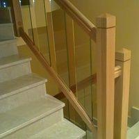 barandilla escalera madera de roble y cristal