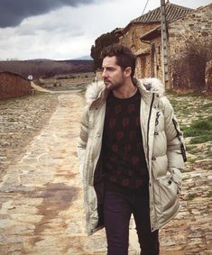 David, Winter Jackets, Vest, Celebrities, Fashion, Amor, Clothing, Winter Coats, Moda