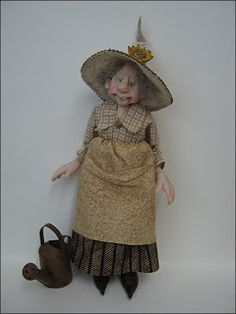 12th Scale 'Sunflower Gardening Witch'