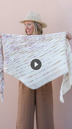 Again, a homework But just like the video. I reminded you of this video of weaving. Arm Knitting Yarn, Easy Knitting, Knitting Stitches, Knitting Patterns, Crochet Decrease, Tunisian Crochet, Chunky Knit Yarn, Herringbone Stitch, Knitted Blankets