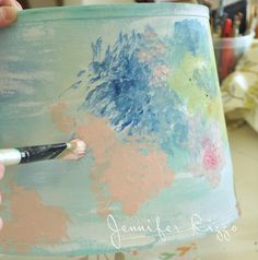 How to paint an artist's palette-inspired floral lampshade… – Jennifer Rizzo - Frisuren Floral Lampshade, Fabric Lampshade, Painted Lampshade, Lampshade Ideas, Decorating Lampshades, Painting Lamp Shades, Painting Lamps, Lamp Makeover, Jar Lights