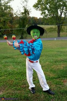 70 Best Funny (And Punny!) Halloween Costumes Ideas For 2018 70 Best Funny (And Punny!) Halloween Costumes Ideas For 2018 & YourTango The post 70 Best Funny (And Punny!) Halloween Costumes Ideas For 2018 & Kostümideen appeared first on Galia Sto. Halloween Costume Couple, Punny Halloween Costumes, Halloween Costume Contest, Halloween Kids, Scary Kids Halloween Costumes, Halloween Makeup, Halloween Zombie, Kids Costumes Boys, Zombie Makeup