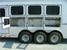 Horse care 101: Horse trailer buyer tips - gooseneck vs. bumper pull