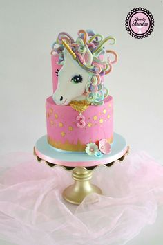 The unicorn cake Torta Baby Shower, Fondant Cakes, Cupcake Cakes, Cupcakes, Beautiful Cakes, Amazing Cakes, 13 Birthday Cake, Carousel Cake, Pony Cake